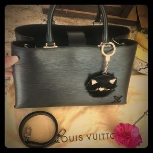 Louis Vuitton Kleber MM in Epi noir